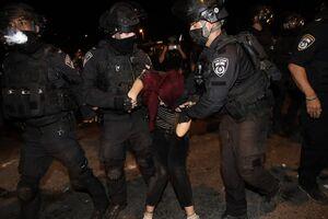 ماجرای لگد زدن سرباز اسرائیلی به شکم زن فلسطینی+ فیلم