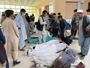 فیلم/ جنازههای بر زمین افتاده قربانیان انفجار کابل