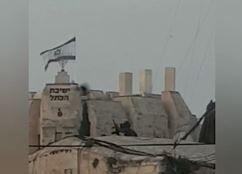 فیلم/ تکتیراندازهای صهیونیست روی پشتبام مسجدالاقصی