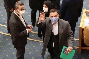 عزیزیخادم در دفتر ظریف بود که نسخه فوتبال را پیچیدند!