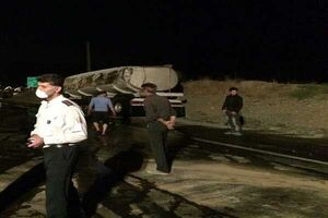 تانکر حامل الکل در مسیر بویین زهرا-ساوه واژگون شد