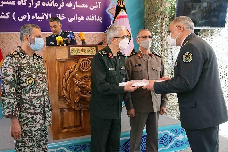 حکم انتصاب فرمانده قرارگاه مشترک پدافند هوایی خاتم الانبیا(ص) اهدا شد