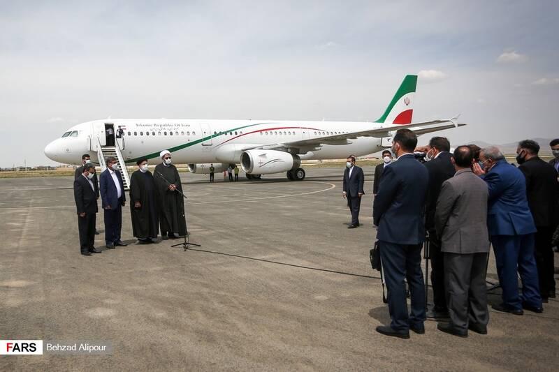 استقبال مسئولین استان از آیت الله سید ابراهیم رئیسی در فرودگاه همدان