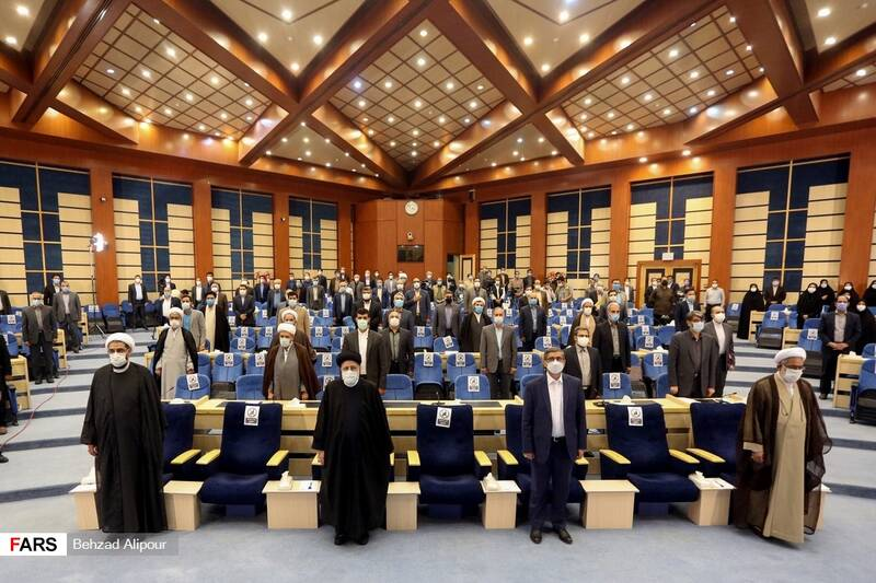 مراسم دیدارآیت الله رئیسی با قضات وکارکنان دستگاه قضایی استان همدان