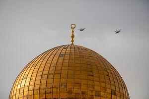 عکس/ پرواز بالگردها بر فراز مسجدالاقصی