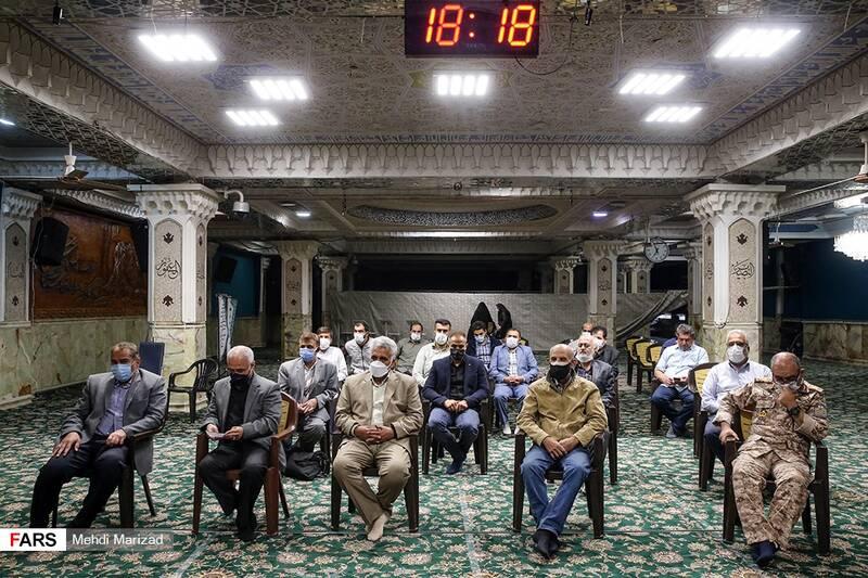 حضور همرزمان قدیمی شهید در مراسم پنجمین سالگرد سردار شهید محمد ناظری فرمانده یگان ویژه نیروی دریایی سپاه