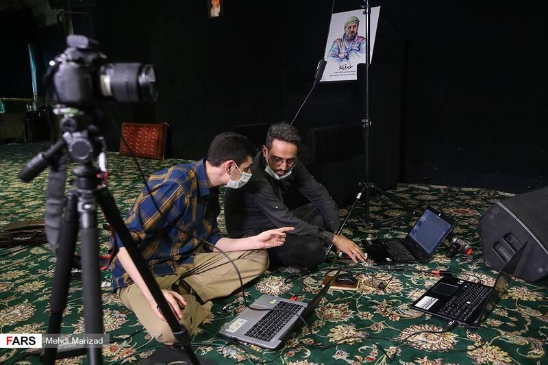 پخش مراسم پنجمین سالگرد شهید در حسینیه امامزاده علی اکبر(ع) چیذر به صورت برخط در چندین شبکه اجتماعی