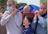 فیلم/ بیتابی کودک فلسطینی در تشییع پدرِ شهیدش