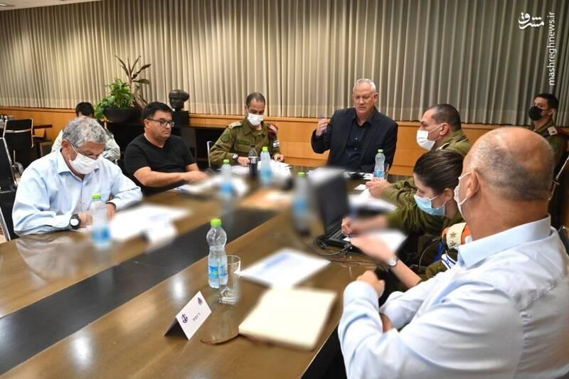 عکس/ جلسه اضطراری گانتز و مقامهای ارشد نظامی رژیم صهیونیستی