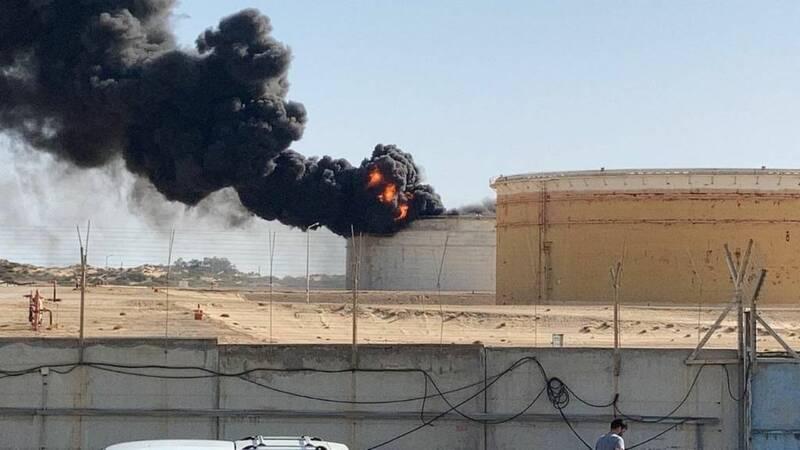 مخزن سوخت در تاسیسات راهبردی اسرائیل هدف حملات راکتی قرار گرفت+عکس