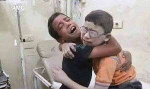 عکس/ شادی پسر فلسطینی از زنده بودن برادرش