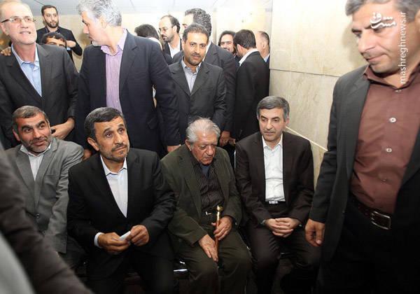 3136905 - وزرای احمدینژاد تا چه میزان با انحرافات وی همراهی داشتند؟