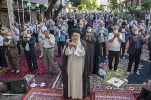 عکس/ اقامه نماز عید فطر در اختیاریه تهران