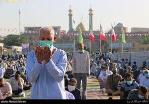 عکس/ اقامه نماز بندگی در حرم حضرت سیدالکریم (ع)