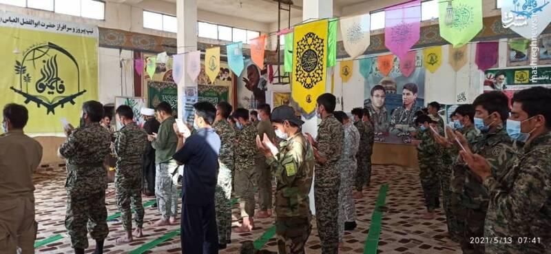 نماز عید فطر فاطمیون در سوریه+ عکس