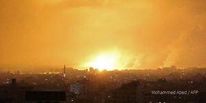نوار غزه زیر بمباران ۱۶۰ جنگنده اسرائیلی/ شلیک ۲۰۰۰ موشک و راکت به صهیونیستها