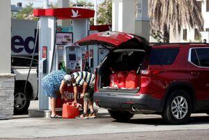 روایت رحیم پور ازغدی از کمبود بنزین در آمریکا