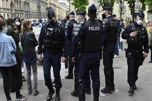 اعتراض هزاران نفر به رانت خواری در برق پاریس+ فیلم