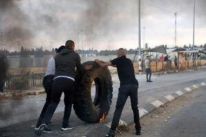عکس/ درگیری جوانان فلسطینی با نیروهای اشغالگر