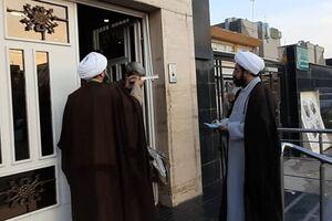 طلاب مشهدی ۸ زندانی بدهکار را با هدیه نامتعارف رئیس جمهور آزاد کردند