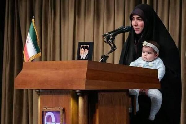 مادری که رهبر انقلاب برایش دعا کردند کیست؟/ قرار نبود دخترم را پشت تریبون ببرم+فیلم