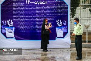 عکس/ سلفی گرفتن داوطلب کاندیداتوری در وزارت کشور