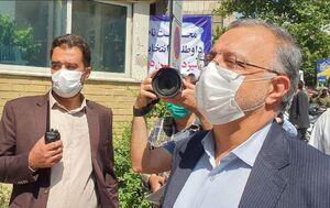 عکس/ علیرضا زاکانی در انتخابات ثبت نام کرد