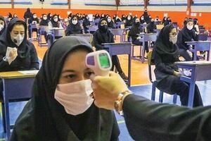 آیا شرط امتحانات حضوری رعایت میشود؟/ روایت عدم تحقق «حداکثر 30 دانشآموز در هر مدرسه» - کراپشده