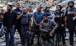عکس/ تخریب ساختمان خبرگزاری فرانسه و الجزیره در غزه