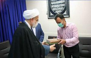 """چه کسانی خواهان تأیید صلاحیت """"تاجزاده و احمدینژاد"""" هستند؟ / هدیه رهبر انقلاب برای خانواده یک شهید اهل سنت"""