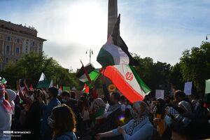 عکس/ پرچم ایران در راهپیمایی دفاع از فلسطین در رم