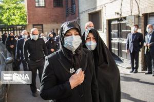 عکس/ همسر اکبر ترکان در مراسم تشییع
