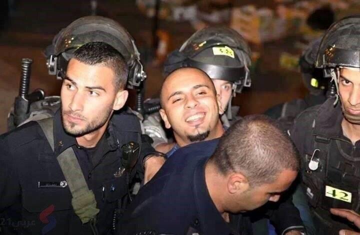 لبخند زندانی فلسطینی؛ تیری داغتر از سلاح سرباز صهیونیستی