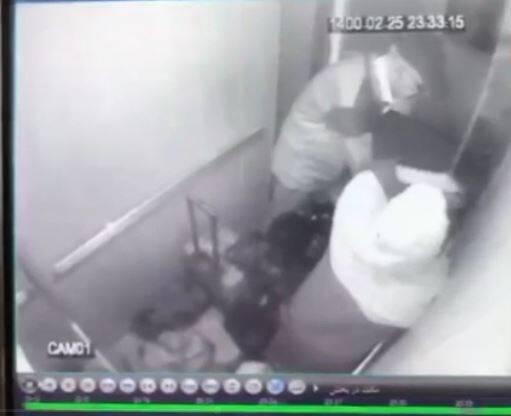 فیلم/ انتقال جنازه بابک خرمدین در چمدان توسط پدر و مادرش