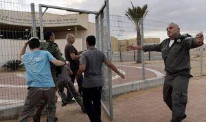خبرنگار اسرائیلی: حماس ۷۵% از ساکنان اسرائیل را مجبور کرد به پناهگاهها بروند