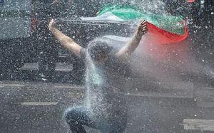 تصویری از حمله پلیس فرانسه به حامیان فلسطین در پاریس