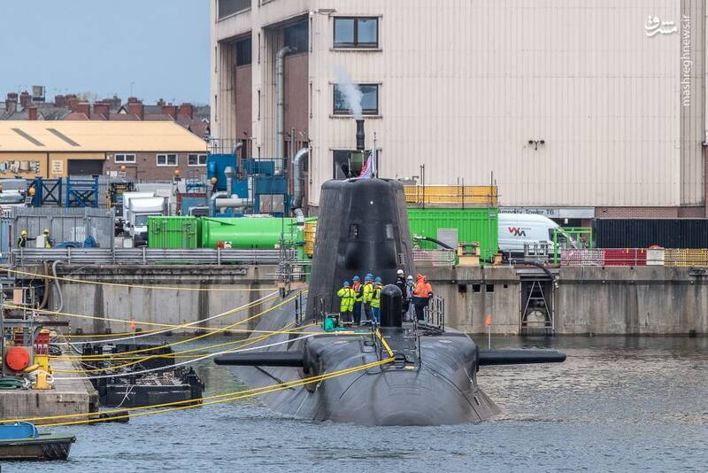 عکس/زیردریایی جدید انگلیس به آب افتاد
