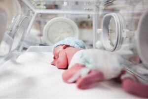ارتباط وزن پایین هنگام تولد با روند سریع تر افزایش سن در پسران