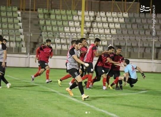 کتککاری با داور در لیگ دسته دوم +عکس