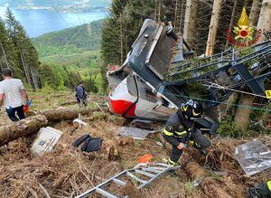اولین تصاویر از سقوط مرگبار تله کابین در ایتالیا