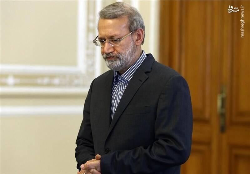 فائزه هاشمی: ریاست جمهوری لاریجانی به نفع کشور است/ پزشکیان: نسخه ندارم اما میدانم نسخه را از چه کسی باید گرفت