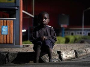گم شدن ۱۰۰ کودک در اثر فوران آتشفشان