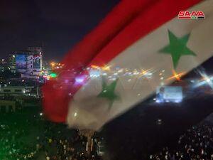 عکس/ جشن مردم سوریه پس از اعلام پیروزی بشار اسد
