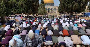 ده ها هزار فلسطینی نمازجمعه را در مسجد الاقصی اقامه کردند