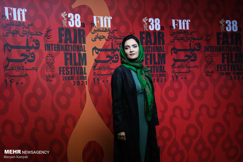 مشرق نیوز - عکس/ سومین روز سی و هشتمین جشنواره فیلم فجر