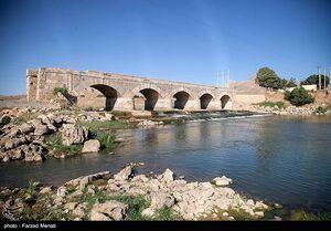 عکس/ کم شدن حجم آب رودخانه گاماسیاب در کرمانشاه