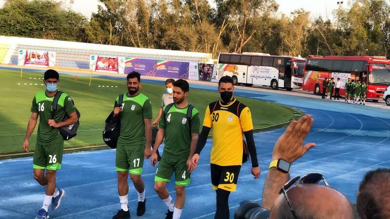 تمرین تیم ملی فوتبال با حضور وزیر به هم ریخت +عکس