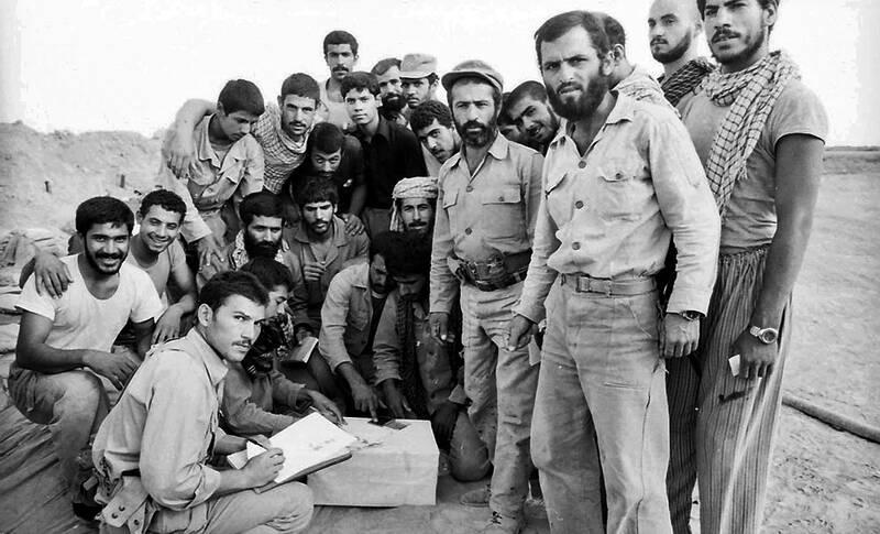 صندوق انتخابات وسط میدان جنگ و زیر آتش دشمن+عکس