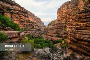 دره بکر و زیبا در نزدیکی لرستان