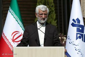 عکس/ لحظه ورود جلیلی به سالن مناظرات صداوسیما